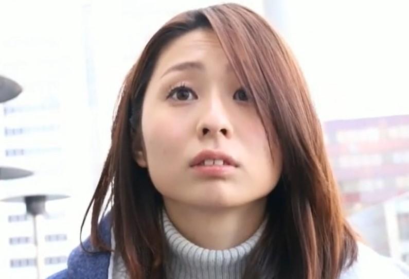 前田可奈子 童貞卒業企画!パイパン人妻がゆっくりピストンでエッチ