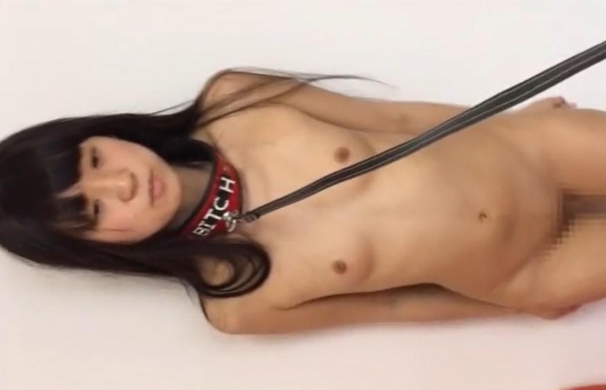 地味な未成熟体型のパイパン少女に首輪をさせて性ペットにする変態男