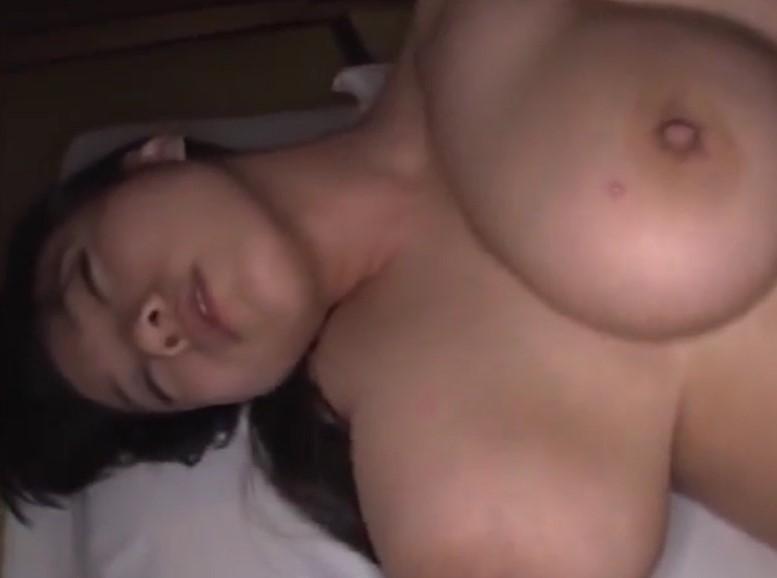 澁谷果歩 パイパン爆乳人妻と不倫旅行で旅館で性欲解放中出しSEX