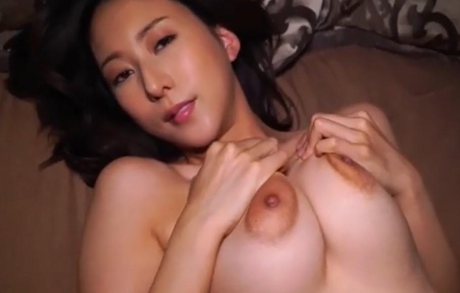 松下紗栄子 デカ乳輪巨乳でパイパンのお姉さんの色気が半端ないIV