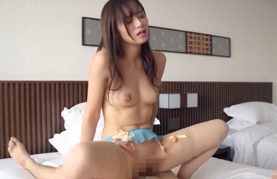 星川光希 パイパンスレンダー美女が乳首を立てて何回もイク濃厚SEX