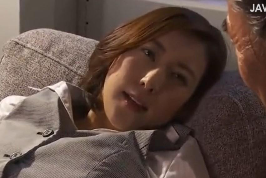 松下紗栄子 旦那に相手にされないパイパン人妻が上司に寝取られ悦ぶ