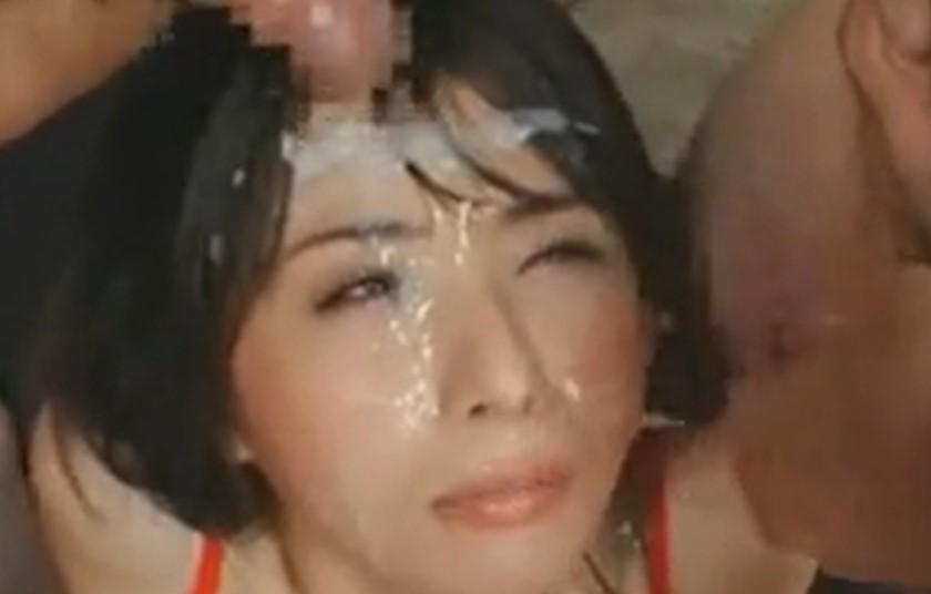 晶エリー 無毛ワレメにチンポささったまま大量に顔射されごっくん