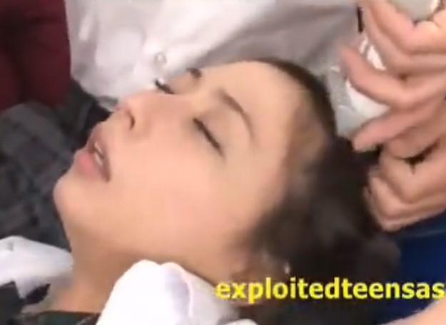 晶エリー 頭を剃られながら輪姦レイプされ大量失禁&号泣絶叫するパイパンJK