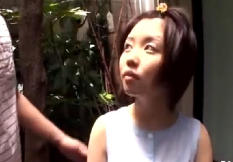 ロリロリな一本スジパイパンJSの姪に素股させイラマチオでお顔にぶっかけ
